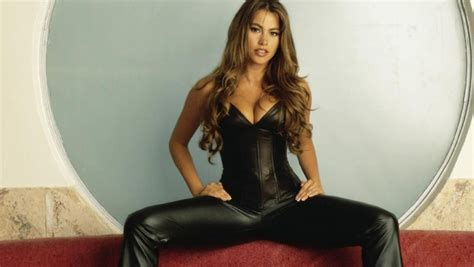 sofia vergara looks far younger than 42 years in make up the milf thread tarheelillustrated com