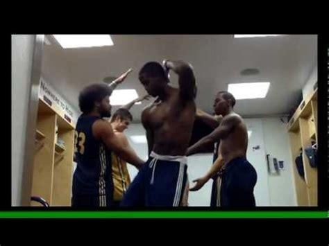 Guys In Locker Rooms by Uc Irvine S Basketball Locker Room