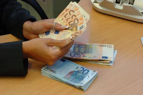 banca di teramo di credito cooperativo bcc castiglione incorpora bcc teramo abruzzo ansa it