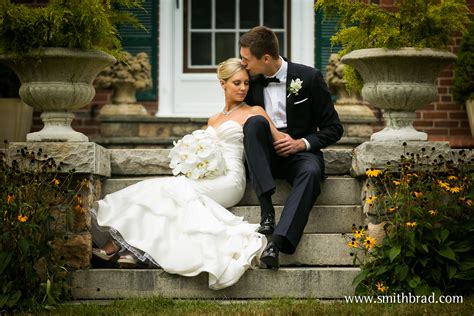 New Wedding Photographers by Home Artistic New Wedding Photography