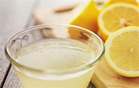 Bicarbonato E Limone Per Pulire by Come Dire Addio Ai Cattivi Odori Dal Bidone Della