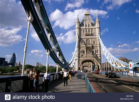 thames river crossing tower bridge neo gothic bridge crossing the river thames