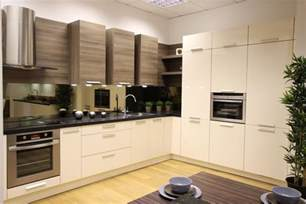 two colour kitchen cabinets kitchen colour trends why choose two tone kitchen cabinets