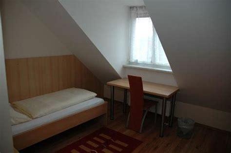 haus zum gutenberg hallbergmoos hotel garni haus zum gutenberg hallbergmoos germany