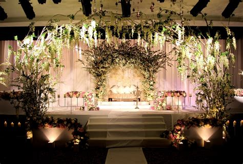 stunning amazing wedding decor romatantic reception