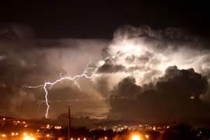 Lightning Strike Hits Car In Australia Lightning Strikes During Acitivity Braidwood