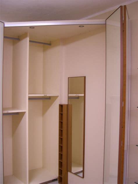 armadio con cabina angolare armadio angolare con cabina armadi a prezzi scontati