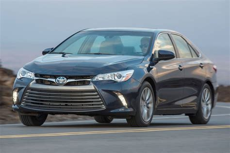 2016 toyota camry hybrid reviews pictures and prices u used 2016 toyota camry hybrid for sale pricing