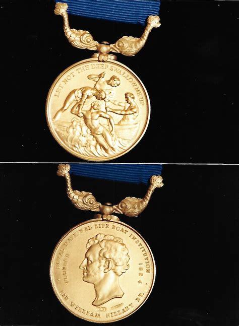 reward offered  missing penlee lifeboat tragedy medal ybw