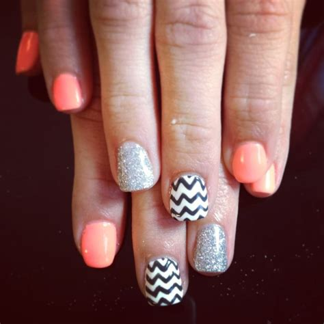 chevron pattern gel nails best 25 chevron gel nails ideas on pinterest chevron