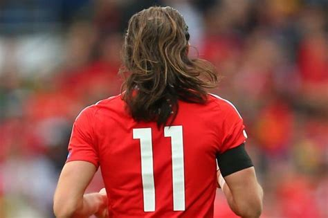 Gareth Bale Long Hair | 10 most stylish gareth bale haircuts to copy hairstylec