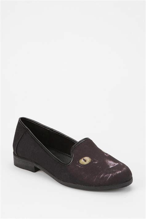 cat loafers cat at the toe cap urbanoutfitters loafer