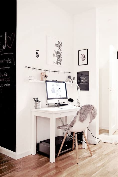 25 best ideas about small desk space on desks