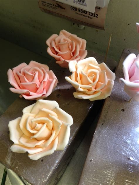 Handmade Sugar Roses - handmade sugar roses cakes by robin