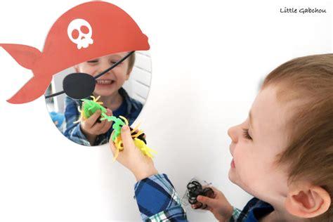 chambre pirate enfant la chambre de pirate de gabchou avec les accessoires