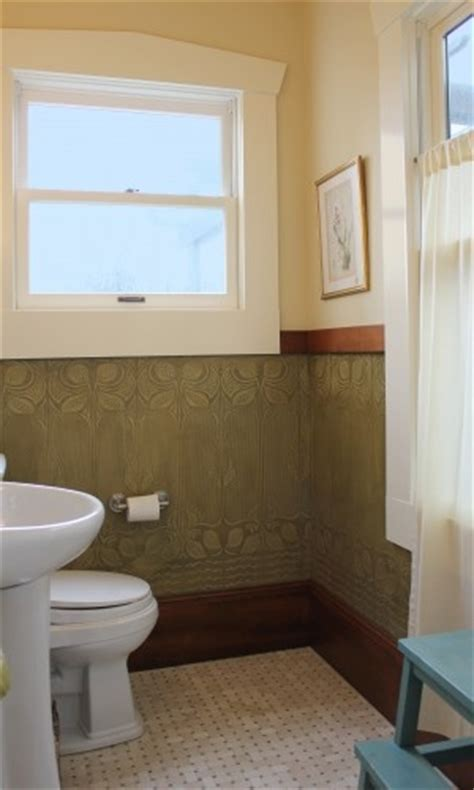 Wallpaper That Looks Like Wainscoting by 32 Best Images About Wainscoting On