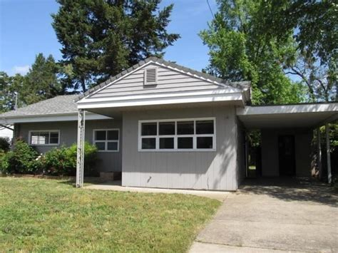 724 ne memorial dr grants pass oregon 97526 foreclosed