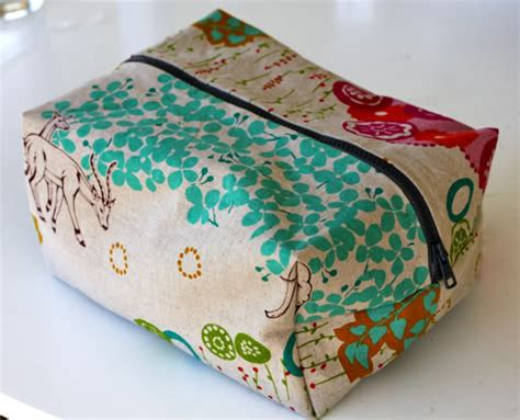 makeup bag pattern boxy cosmetic bag tutorial sewtorial