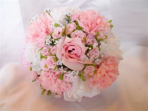 Wedding Bouquet January by 15 Flowers In Season In December For Wedding Everafterguide