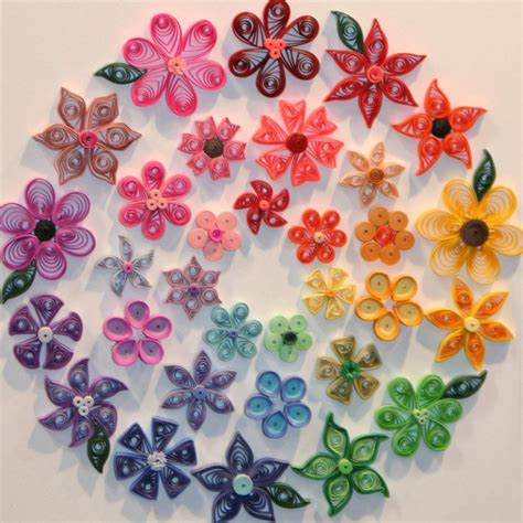 How To Make Flowers With Paper Quilling - 1000 images about quilling on flower paper