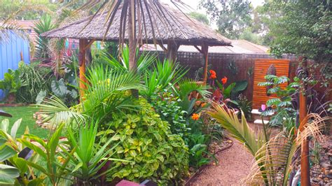 backyard gardens pictures gallery photos of tropical gardens landscaping by