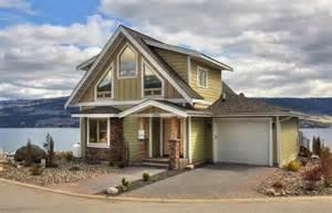 Beach Cottage Kitchen - rentals la casa cottages
