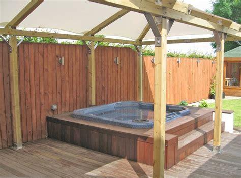 Diy Tub Enclosure diy spa enclosure search decking and tub