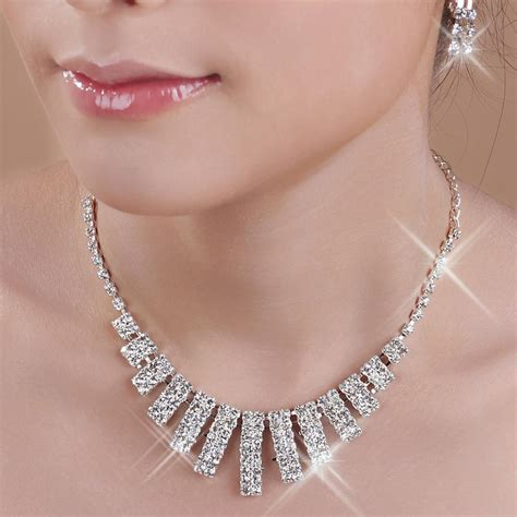 It Or Leave It In Terms Of Jewelry This Season Chunky Necklaces Are The Item Addi by How To Find The Bridal Jewelry Executiveice