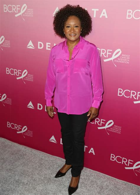wanda sykes on the jeffersons wanda sykes flips off crowd for booing anti trump material