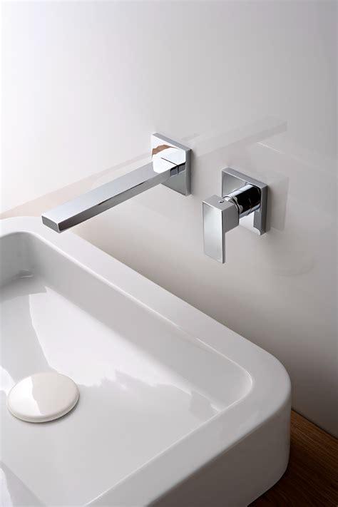 rubinetto a muro per lavabo q miscelatore per lavabo a muro by rubinetterie 3m