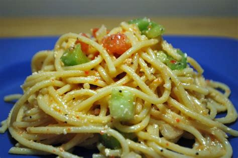 cold pasta salad with italian dressing spaghetti salad w cucumbers tomato bell peppers
