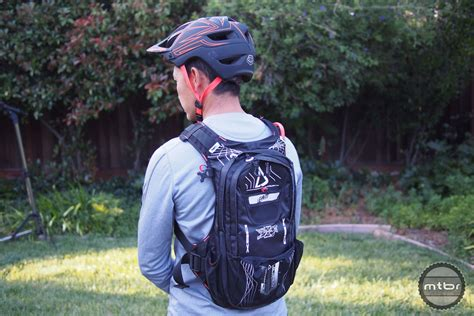 hydration gpx cargo 3 0 road review leatt dbx 3 0 cargo hydration pack mtbr