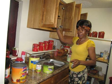 newark food pantry struggles to keep up with demand