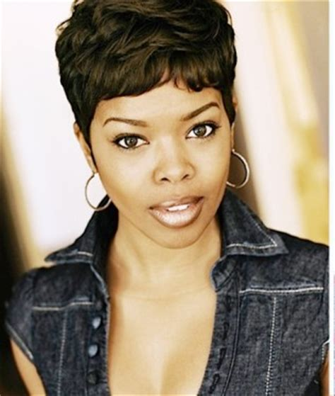 short hair styles worn by malinda williams malinda williams and her mother share hair tips they ve