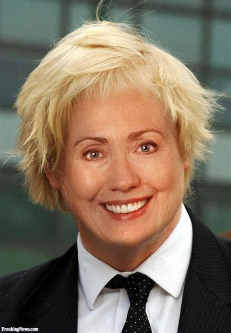 hillary clinton hairstyle pictures hillary clinton new hairstyle pictures freaking news