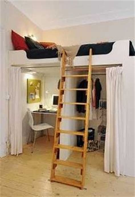 Bed With Walk In Closet Underneath by 1000 Images About Bedroom Ideas On Walk In