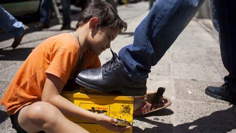 imagenes de niños lustrando zapatos fao revela alto 237 ndice de trabalho infantil no paraguai