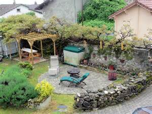 what is a courtyard backyard courtyard get domain pictures getdomainvids com