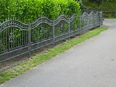 Kosten Zaun Setzen by Einen Stabilen Zaun Setzen So Geht S Richtig