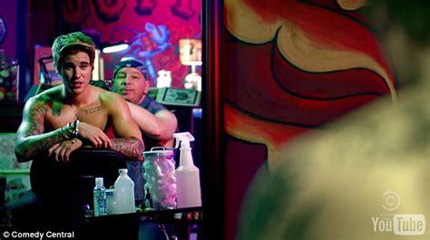 justin bieber back tattoo 2015 shirtless justin bieber gets a giant bullseye tattooed