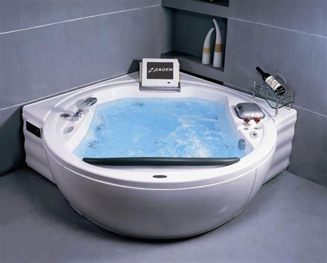 Coolest Bathtubs by Bathroom Kitchen Gadgets Baden Bath S Luxury Dvd Stereo Bathtub Coolest Gadgets