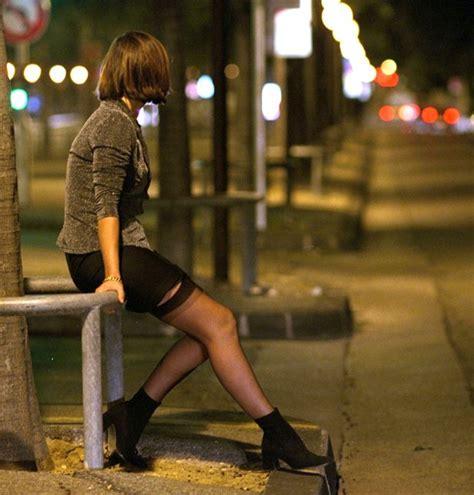 Ajouter Une Pièce à Sa Maison 2748 prostitution la triste vie des filles de joie