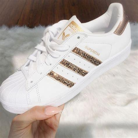 fotos de zapatos adidas originales m 225 s de 25 ideas incre 237 bles sobre zapatos adidas mujer en
