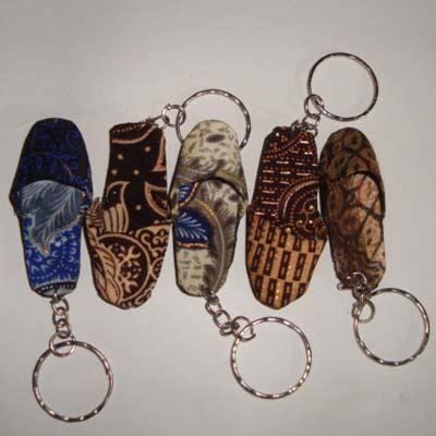 Gantungan Kunci Joyko 1 Set gantungan kunci sandal slop 1 set balinese handmade