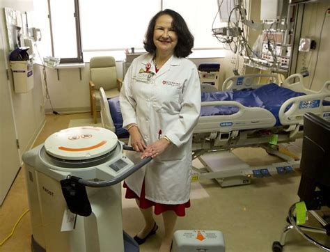 Vs Machine Robots At Japanese Hospital by Robots Disinfect Stanford Hospital Rooms Sfgate