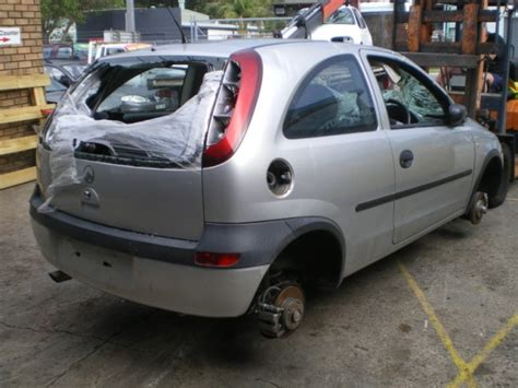 2001 Holden Barina Photos Informations Articles