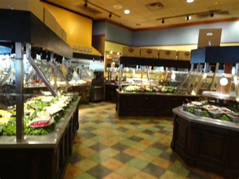 wood grill buffet たくさんの料理が並ぶ picture of wood grill buffet harrisonburg
