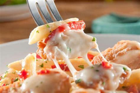 olive garden s never ending pasta bowl is back on the menu