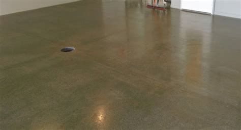 Sealed Garage Floor by Garage Floor Sealers From Acrylic To Epoxy Coatings