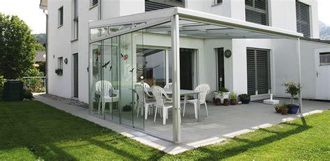 terrasse windschutz glas wandgestaltung wohnzimmer edelstahl windschutz